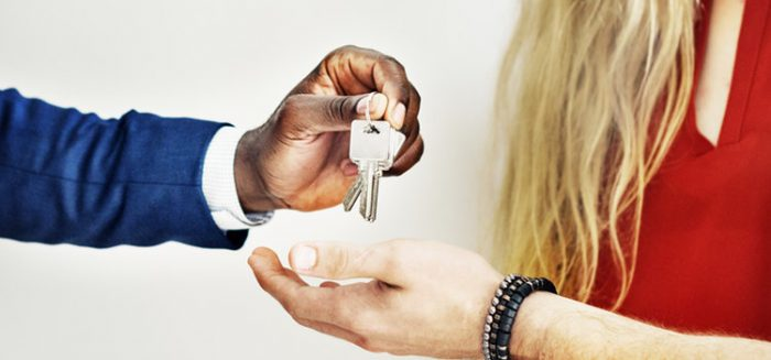 How to apply for a home loan when your partner has a bad credit score